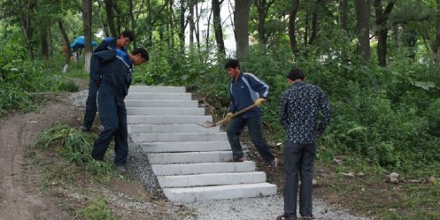 Igor Pushkarev required to restore the destroyed stairs by contractors